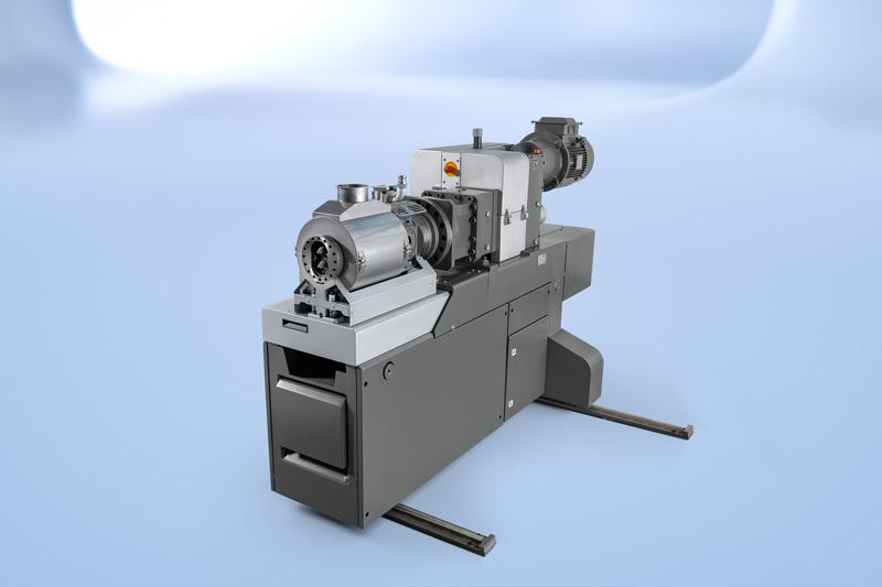 Das innovative Austragsaggregat des COMPEO Compoundierssystems sorgt unabhängig von der Compoundiermaschine selbst für den perfekten Druckaufbau der nachfolgenden Anlagen.
