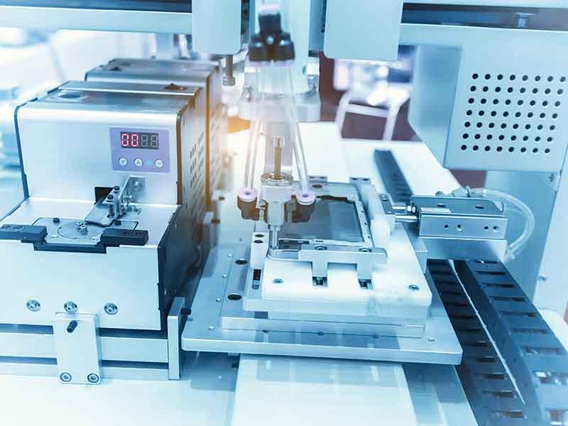 製造にポリイソブチレン(PIB)を使用している産業用機械