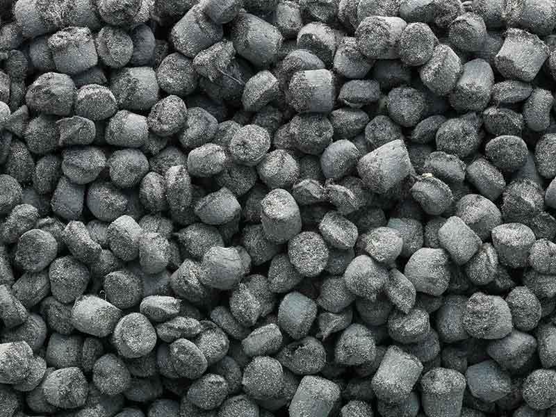 熱硬化混練技術で製造された黒色顆粒