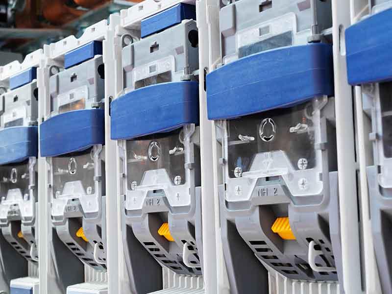 熱硬化性プラスチックによる電源ボックス