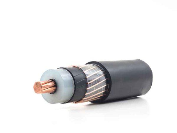 Отрезок кабеля с изоляционной массой из полупроводниковых кабельных компаундов