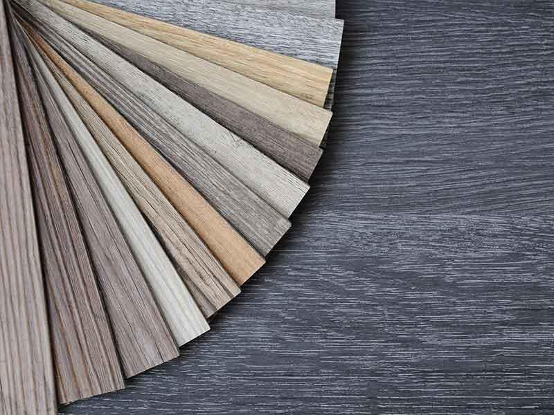 Цветовые образцы из синтетической древесины демонстрируют многофункциональность композитов из натуральных волокон.