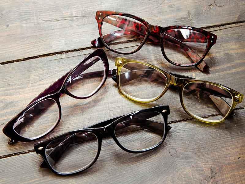 眼鏡グラスの材料としての天然繊維複合材コンパウンド